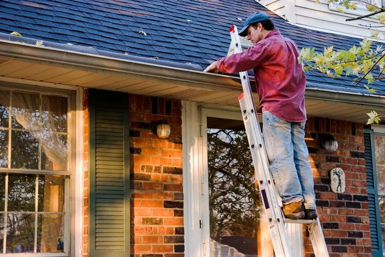 3 DIY Gutter Cleaning Methods